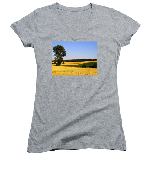 Field Flow Women's V-Neck T-Shirt
