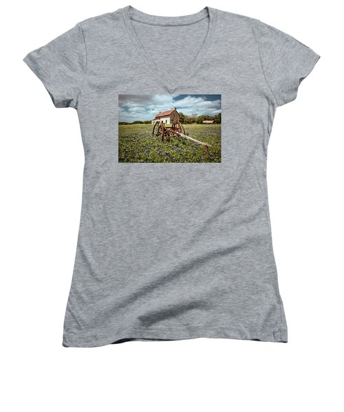 Women's V-Neck T-Shirt (Junior Cut) featuring the photograph Final Resting Place by Linda Unger
