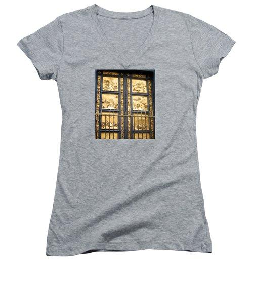 Florence Baptistry Doors Women's V-Neck T-Shirt