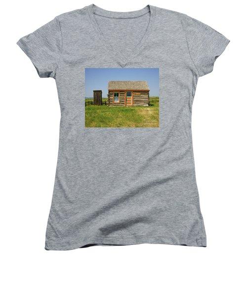 Flueitt Simons Cabin Women's V-Neck T-Shirt