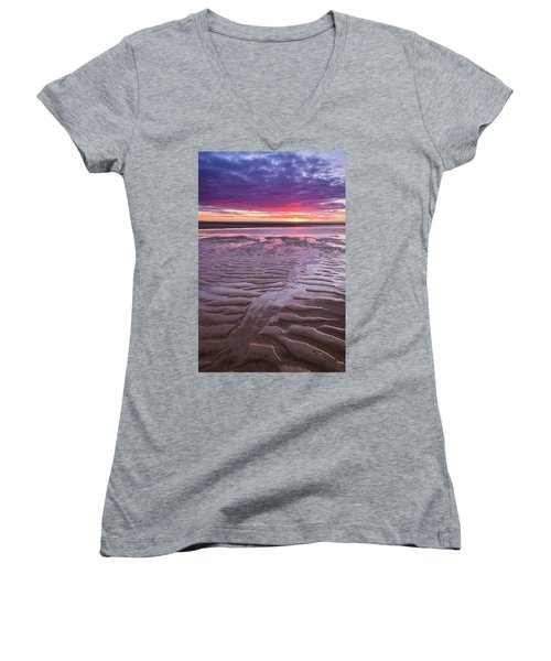 Folds In The Sand - Vertical Women's V-Neck