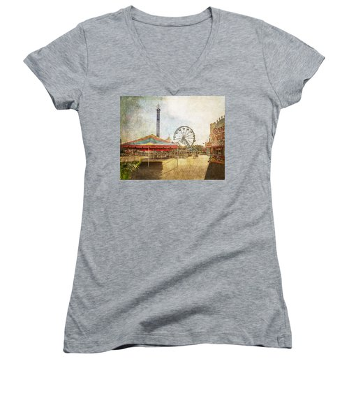The Ferris Wheel Women's V-Neck T-Shirt