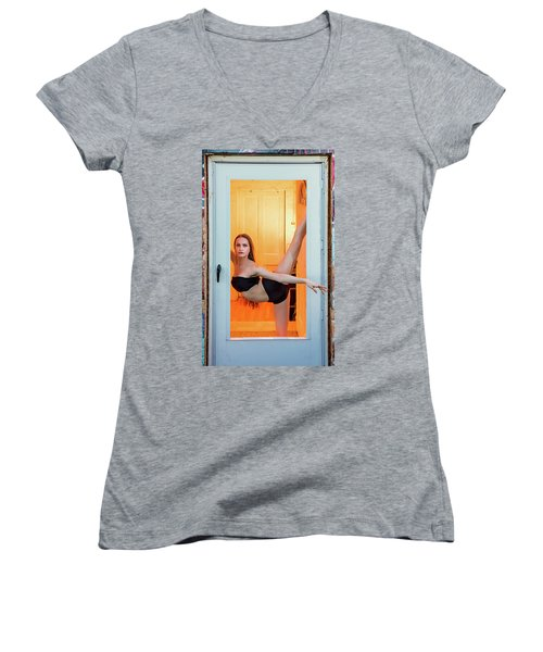 Framed- Stretch Women's V-Neck (Athletic Fit)