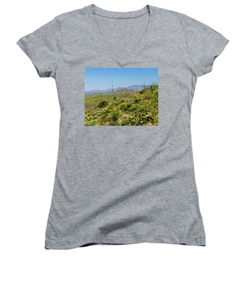 Franklin Mountains State Park Facing North Women's V-Neck T-Shirt