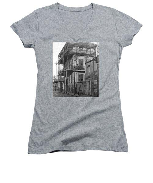 Dauphine St Residence Women's V-Neck T-Shirt