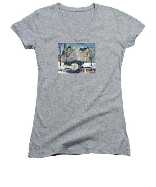 Gapstow Bridge In Snow Women's V-Neck T-Shirt (Junior Cut)