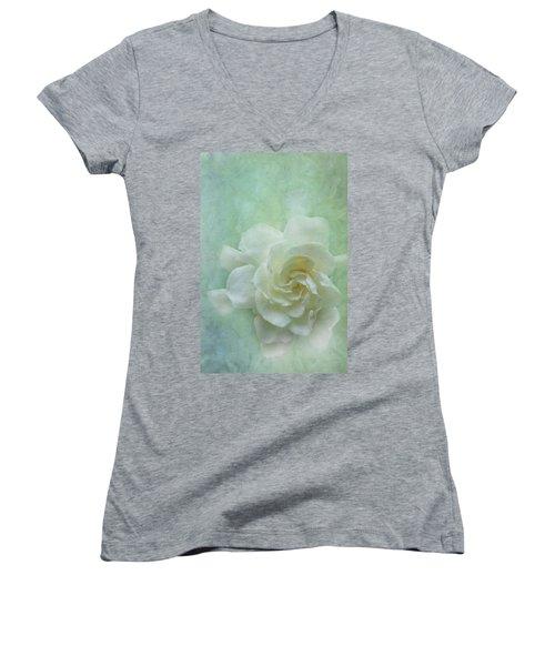 Gardenia Women's V-Neck T-Shirt