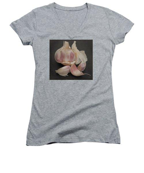 Garlic-7640 Women's V-Neck