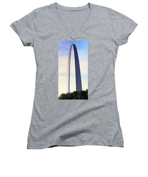 Gateway Arch - St Louis Women's V-Neck (Athletic Fit)