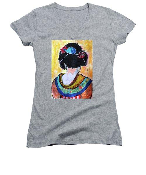 Geisha Girl  Women's V-Neck T-Shirt