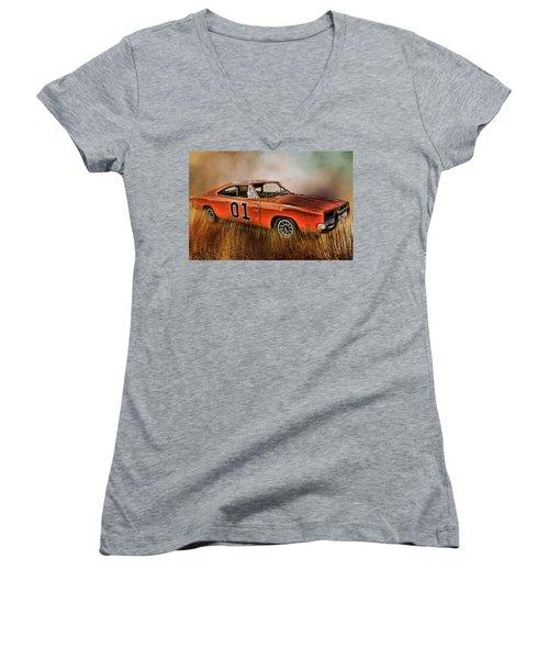 General Lee Women's V-Neck T-Shirt