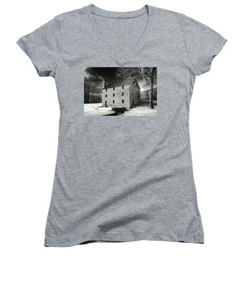 George Washingtons Gristmill Women's V-Neck T-Shirt (Junior Cut) by Paul Seymour