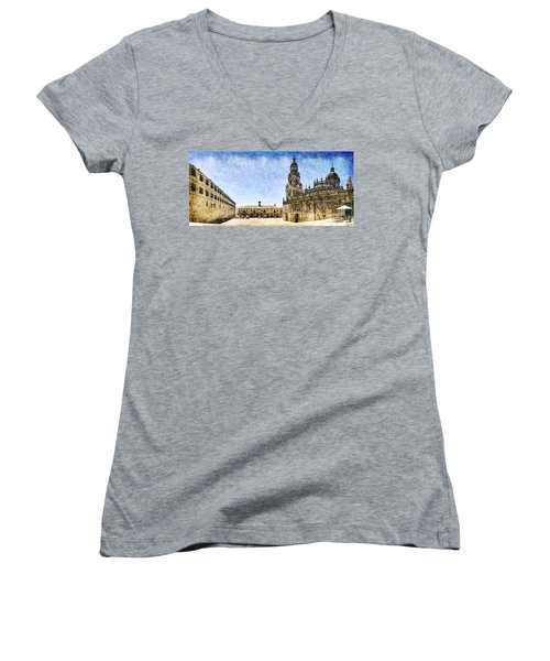 Girl In Santiago - Vintage Version Women's V-Neck T-Shirt