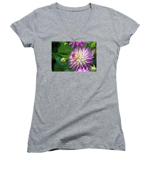Glenbank Twinkle Dahlia Women's V-Neck T-Shirt