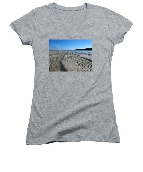 Gloucester Lighthouse Women's V-Neck T-Shirt