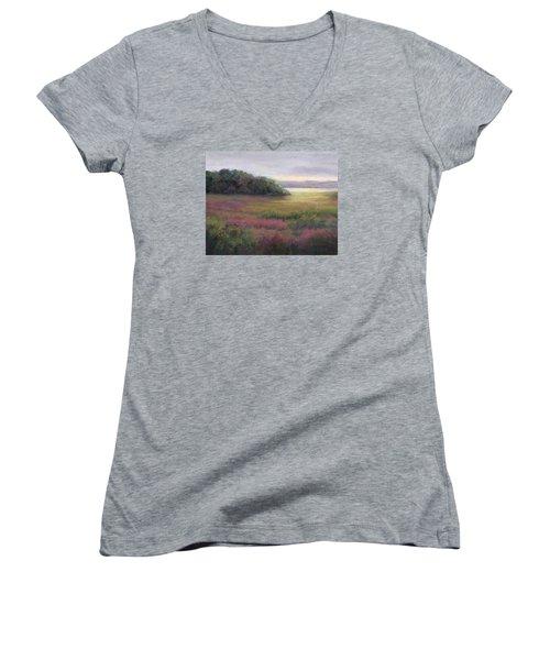 Glow On Gilsland Farm Women's V-Neck T-Shirt