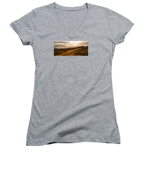 Grandfather Mountain Sunset - Moses Cone Blue Ridge Parkway Women's V-Neck T-Shirt