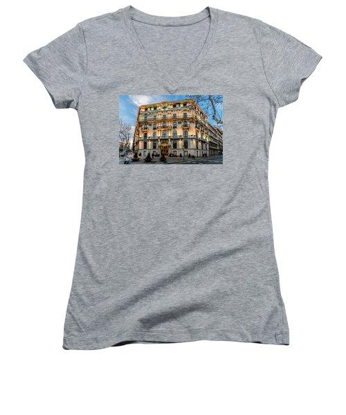 Gran Hotel Havana Women's V-Neck T-Shirt (Junior Cut)