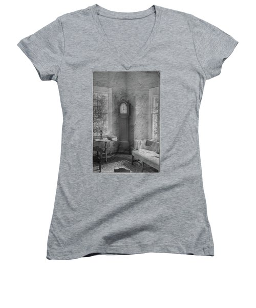 Grandfather's Clock Women's V-Neck T-Shirt