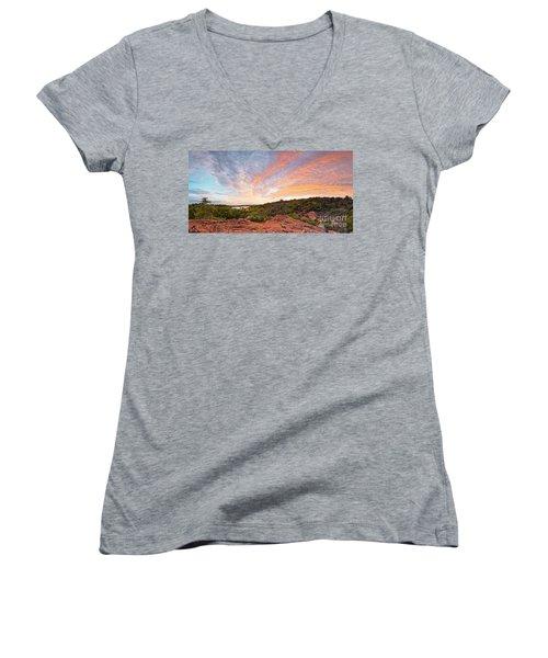 Granite Hills Of Inks Lake State Park Against Fiery Sunset - Burnet County Texas Hill Country Women's V-Neck