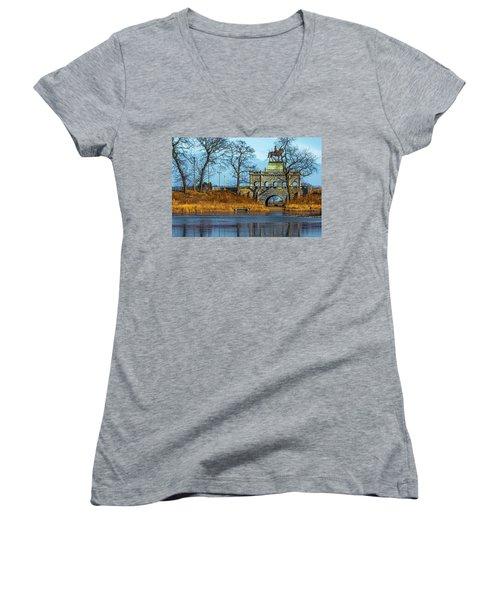 Grant Memorial Lincoln Park Dsc3218 Women's V-Neck T-Shirt