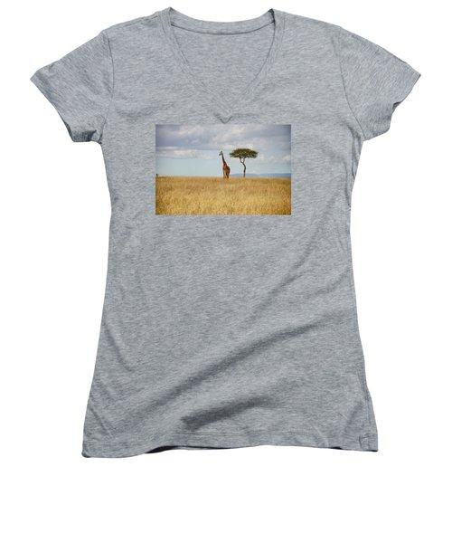 Grazing Giraffe Women's V-Neck T-Shirt