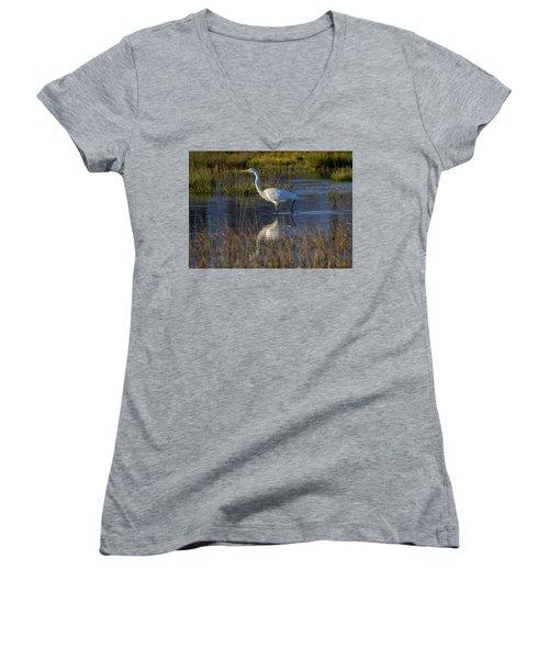 Great Egret, Ardea Alba, In A Pond Women's V-Neck T-Shirt (Junior Cut) by Elenarts - Elena Duvernay photo