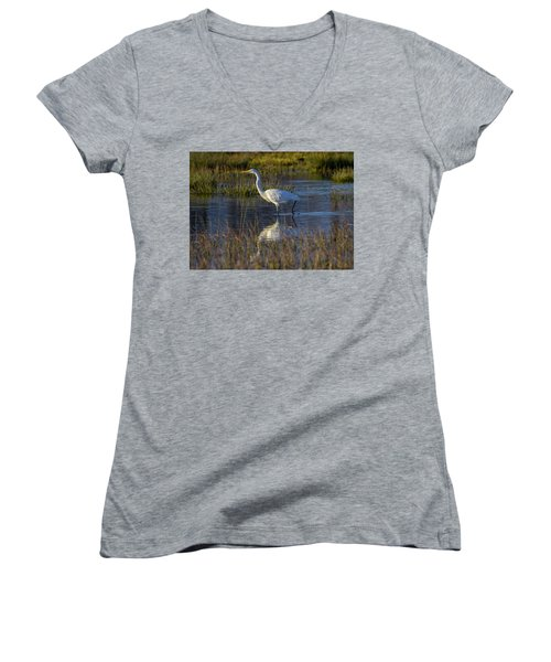 Great Egret, Ardea Alba, In A Pond Women's V-Neck T-Shirt