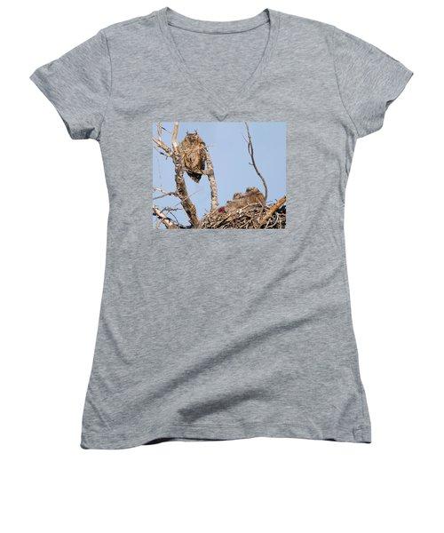 Great Horned Owl Family Women's V-Neck T-Shirt