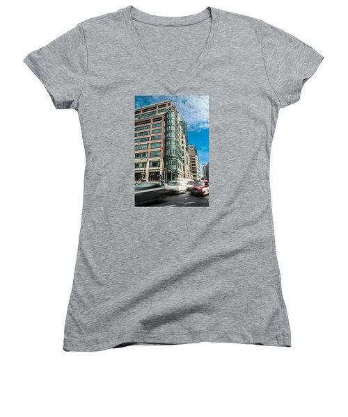 Green Building On Liverpool Metro Station London Women's V-Neck (Athletic Fit)