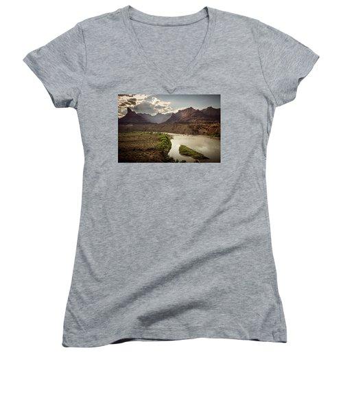 Green River, Utah Women's V-Neck