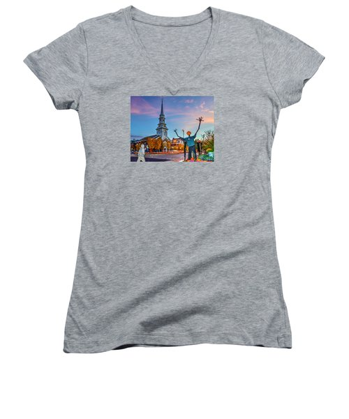 Halloween In Portsmouth 746 Women's V-Neck T-Shirt
