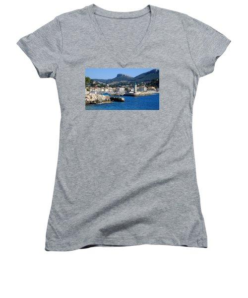 Harbor Of Cassis Women's V-Neck