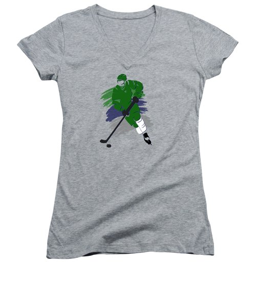 Hartford Whalers Player Shirt Women's V-Neck T-Shirt