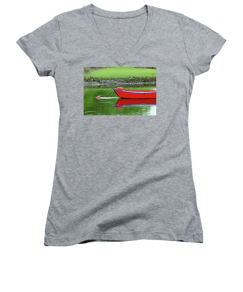 Harwich Rowboat Women's V-Neck T-Shirt