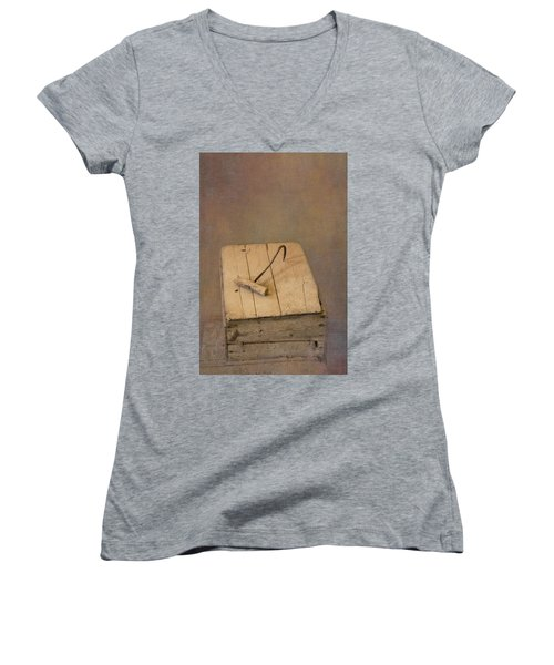 Hay Hook Women's V-Neck