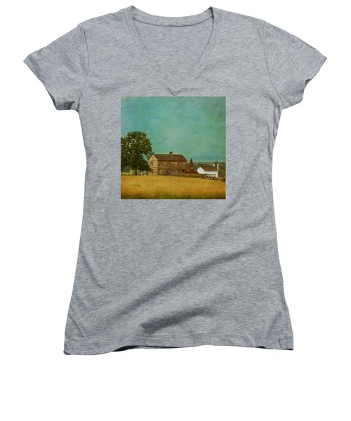 Henry House At Manassas Battlefield Park Women's V-Neck