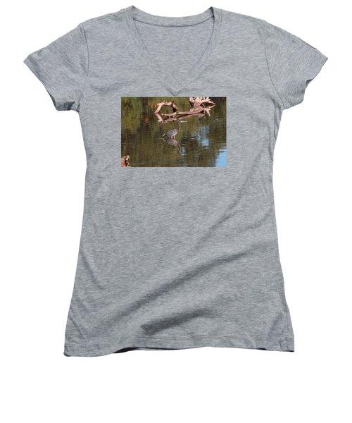 Heron Reflection Women's V-Neck