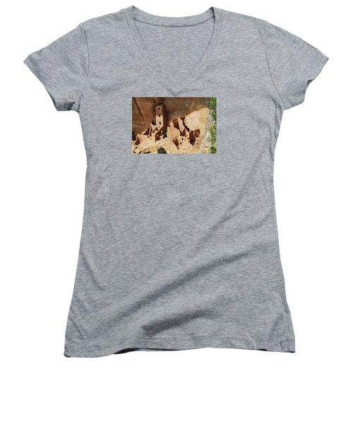 High Rise Livin Women's V-Neck T-Shirt