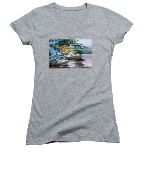 Homage To Winslow Homer Women's V-Neck T-Shirt (Junior Cut) by Mindy Newman