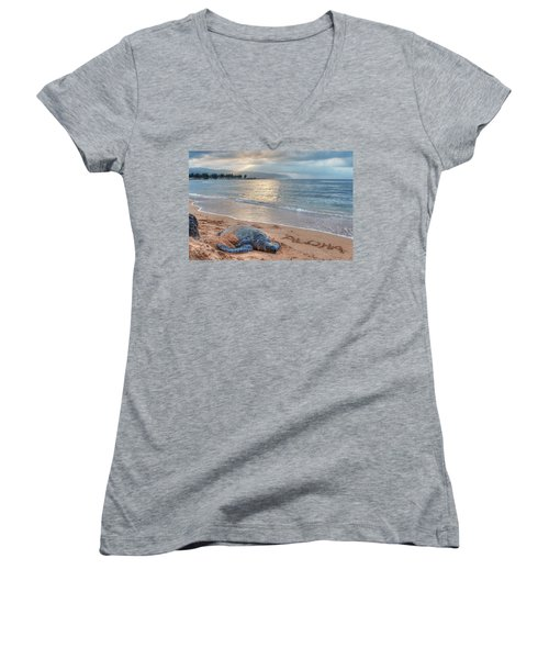 Honu Welcome Women's V-Neck (Athletic Fit)