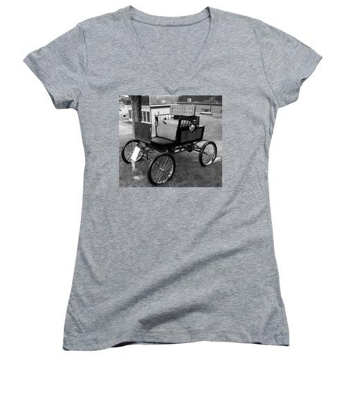 Horseless Carriage-bw Women's V-Neck