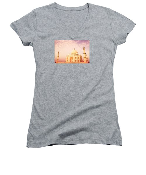 Hot Taj Mahal Women's V-Neck T-Shirt