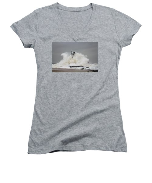 Hurricane Jose Wave At The Inlet Jetty Women's V-Neck T-Shirt