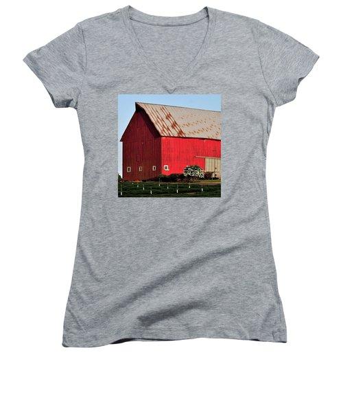 Hwy 47 Red Barn 21x21 Women's V-Neck T-Shirt (Junior Cut) by Jerry Sodorff