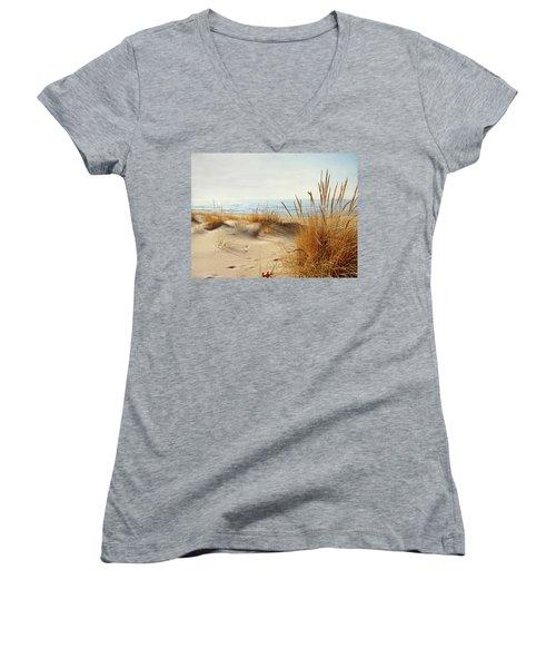I Hear You Coming  Women's V-Neck T-Shirt