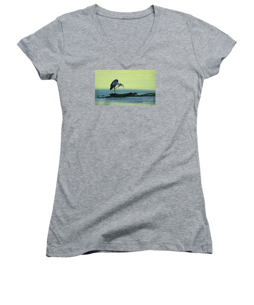 Ichy The Great Blue Heron Women's V-Neck T-Shirt