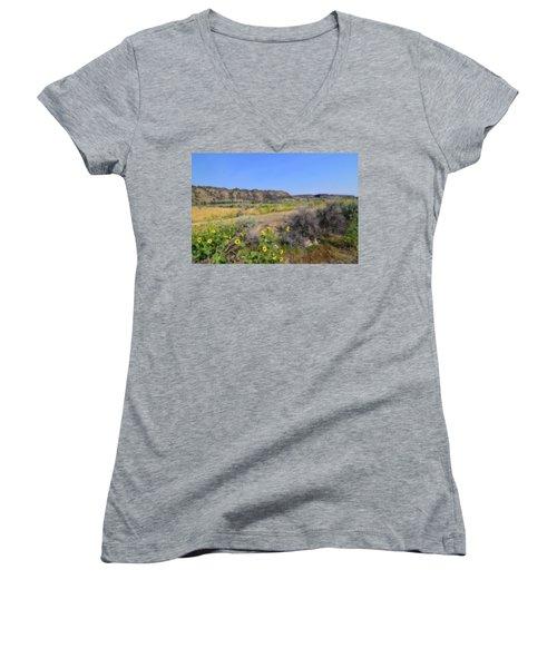 Idaho Landscape Women's V-Neck T-Shirt (Junior Cut) by Bonnie Bruno