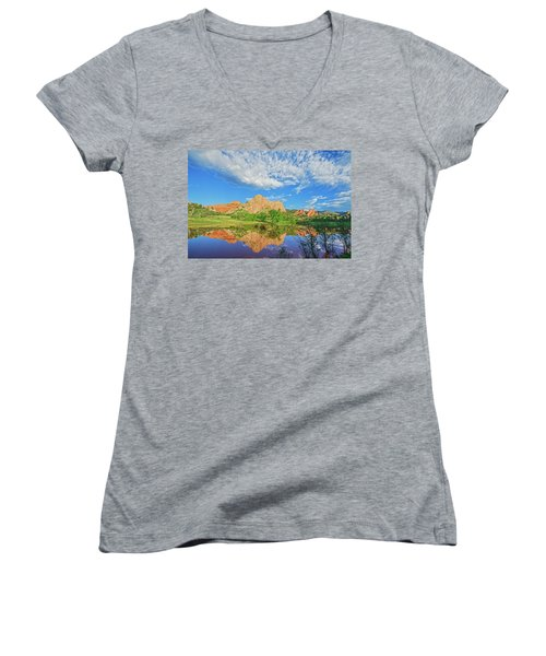 Impossible Not To Fall In Love With Colorado. Here's Why.  Women's V-Neck T-Shirt