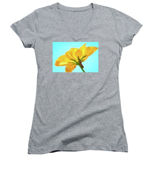 Women's V-Neck featuring the photograph Inching Closer To The Prize by Brian Hale